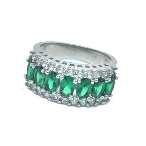 Emerald & Diamond ring band. Costume Jewelry
